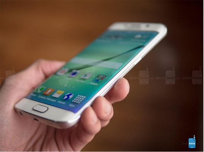 10 smartphone làm nên tên tuổi cho Samsung ảnh 4