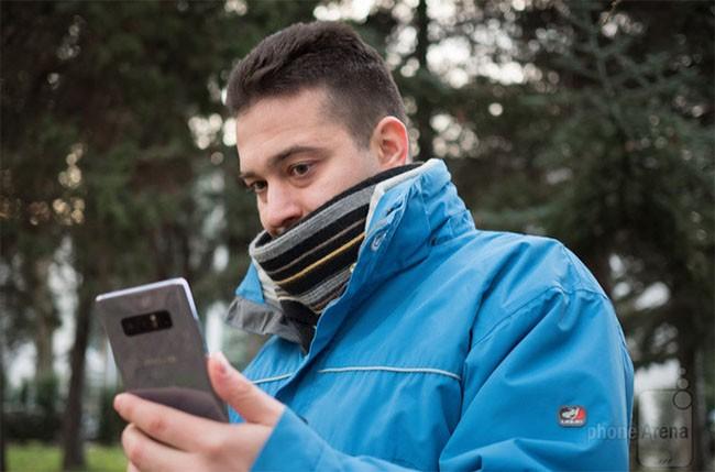 Smartphone nào có tính năng mở khóa bằng khuôn mặt chuẩn nhất? ảnh 4