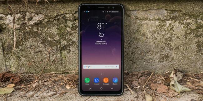 """Top 5 smartphone có tuổi thọ pin """"khủng"""" nhất năm nay ảnh 3"""
