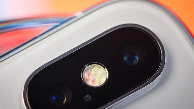 """Những hình ảnh """"bất ngờ"""" về iPhone X dưới ống kính macro ảnh 3"""