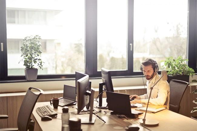 Có thể cải thiện chất lượng làm việc bằng cách nghe nhạc hay không? ảnh 1
