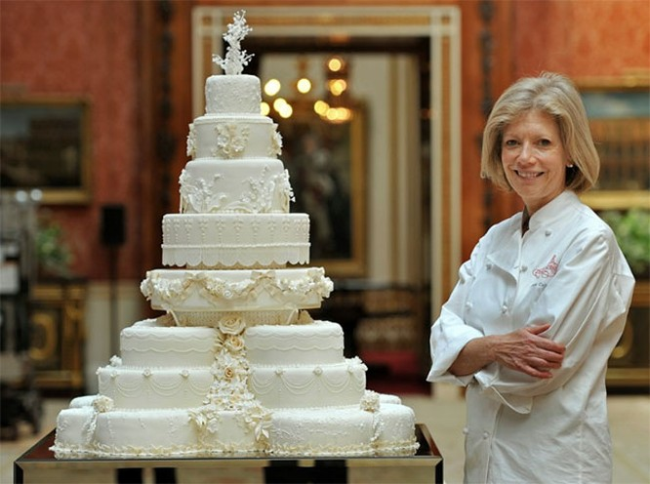 """Choáng ngợp với 12 chiếc bánh cưới hoàng gia """"khủng"""" nhất mọi thời đại ảnh 3"""