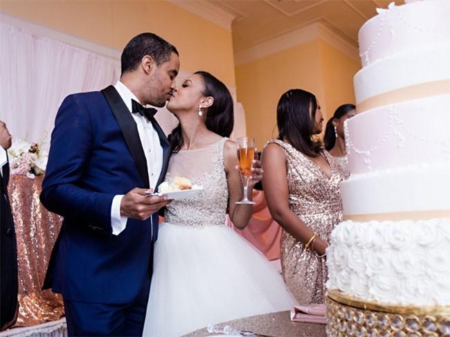 """Choáng ngợp với 12 chiếc bánh cưới hoàng gia """"khủng"""" nhất mọi thời đại ảnh 4"""