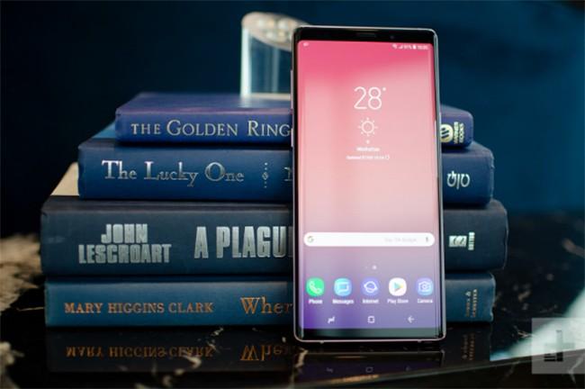 Samsung Galaxy Note 9 và Apple iPhone X: Trận chiến của hai smartphone siêu cao cấp ảnh 1