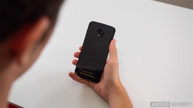 Đánh giá Motorola Moto Z3: Liệu có xứng tầm smartphone 5G đầu tiên? ảnh 1