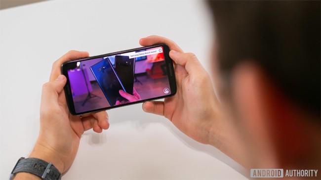 Đánh giá Motorola Moto Z3: Liệu có xứng tầm smartphone 5G đầu tiên? ảnh 3