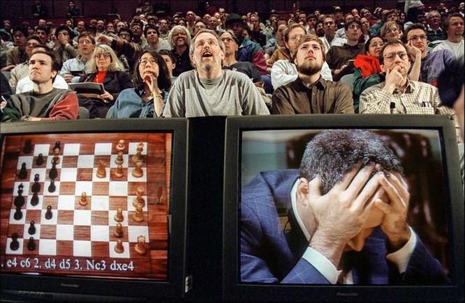 Computer Beats Garry Kasparov