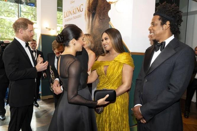 Vợ chồng hoàng tử Harry cũng tham dự