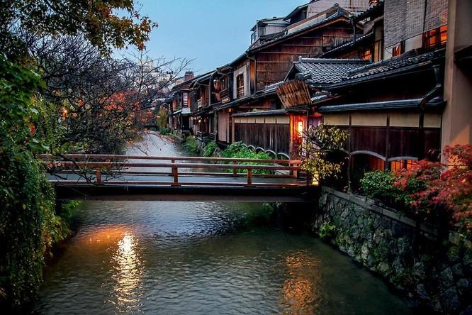 Nếu Tokyo là trái tim mang nhịp đập hiện đại của Nhật Bản thì Kyoto là linh hồn cổ kính và đẹp đẽ của nó
