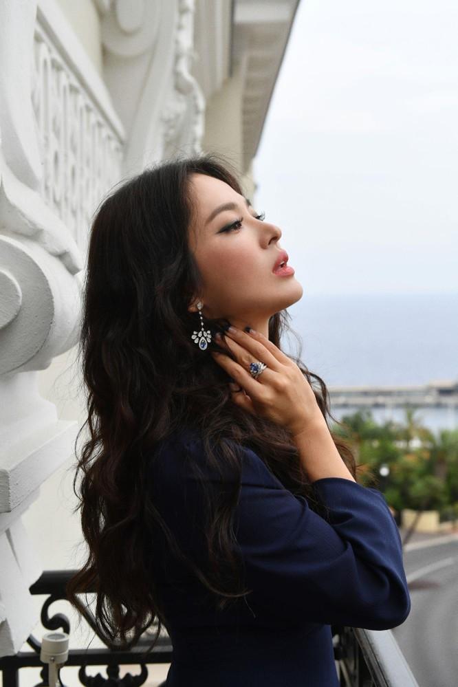 Dù gặp phải chuyện buồn nhưng Song Hye-Kyo vẫn rất kiều diễm và xinh đẹp