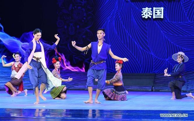 Lễ hội thời trang văn hóa châu Á tổ chức tại Trung Quốc ảnh 11