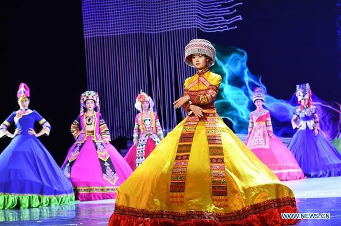 Lễ hội thời trang văn hóa châu Á tổ chức tại Trung Quốc ảnh 6
