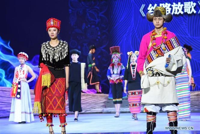 Lễ hội thời trang văn hóa châu Á tổ chức tại Trung Quốc ảnh 7