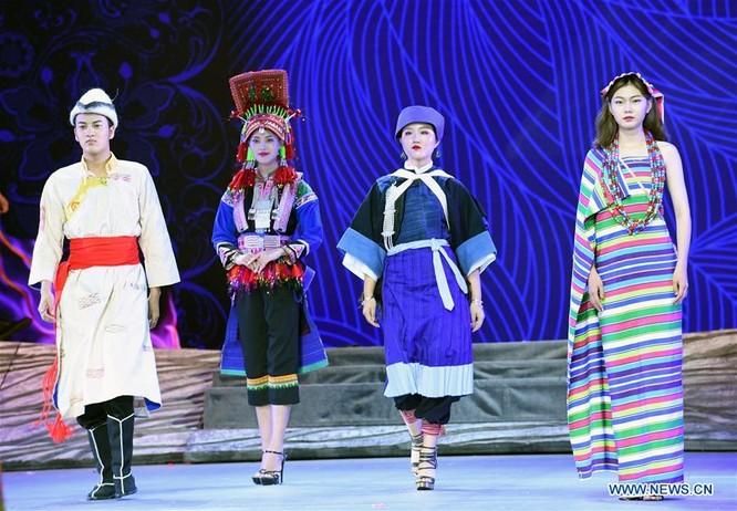 Lễ hội thời trang văn hóa châu Á tổ chức tại Trung Quốc ảnh 8