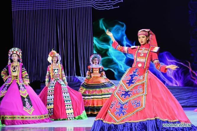 Lễ hội thời trang văn hóa châu Á tổ chức tại Trung Quốc ảnh 9