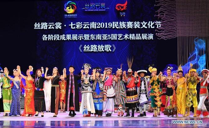 Lễ hội thời trang văn hóa châu Á tổ chức tại Trung Quốc ảnh 10