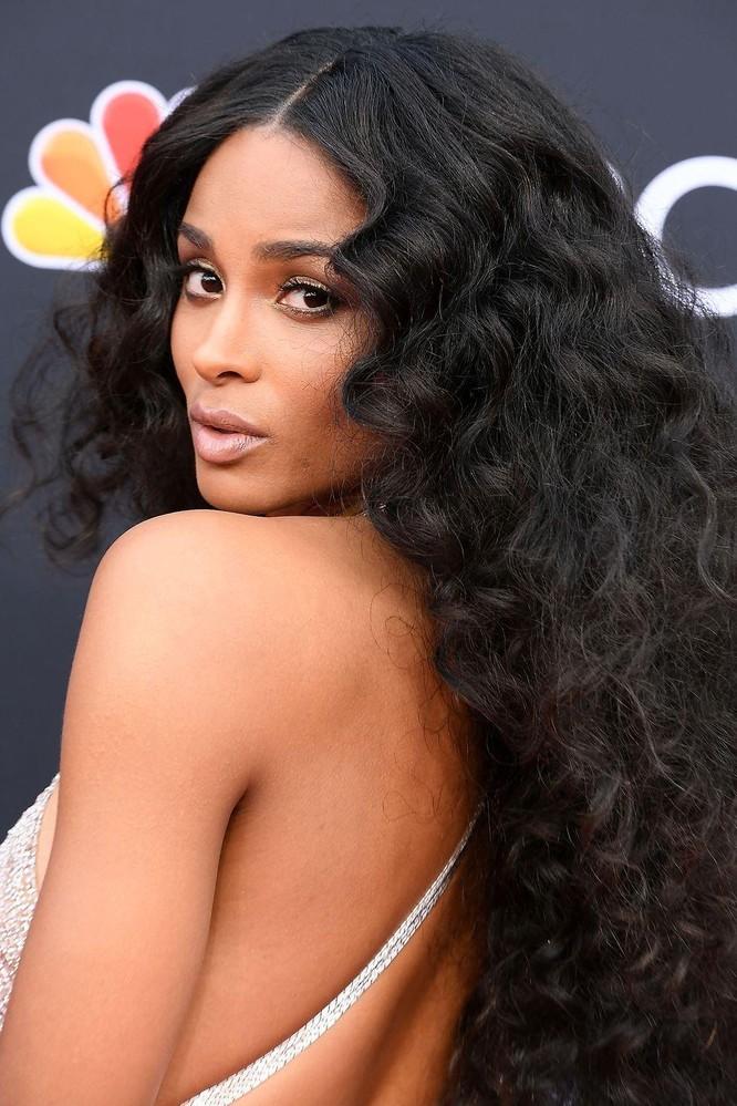 Những kiểu tóc được các Sao ưa chuộng nhất cho mùa Thu 2019 ảnh 10