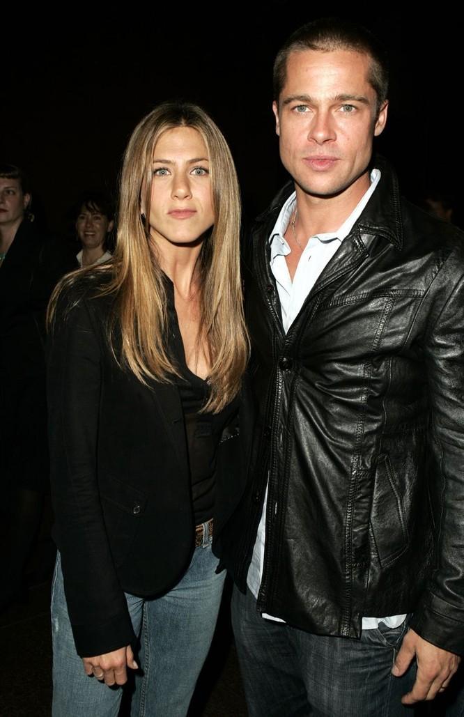 Jennifer Aniston và Brad Pitt, cặp đôi nổi tiếng của Hollywood từng kết hôn từ năm 2000 đến 2005. Ảnh: Harper