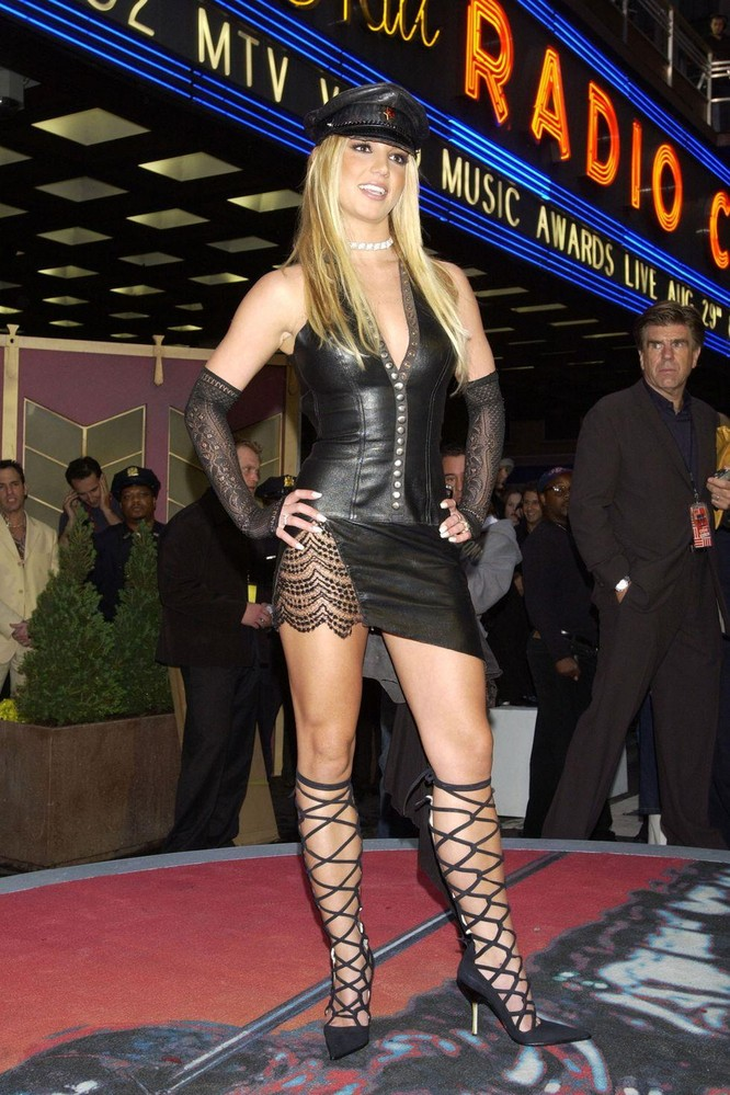 Britney Spears, 2002
