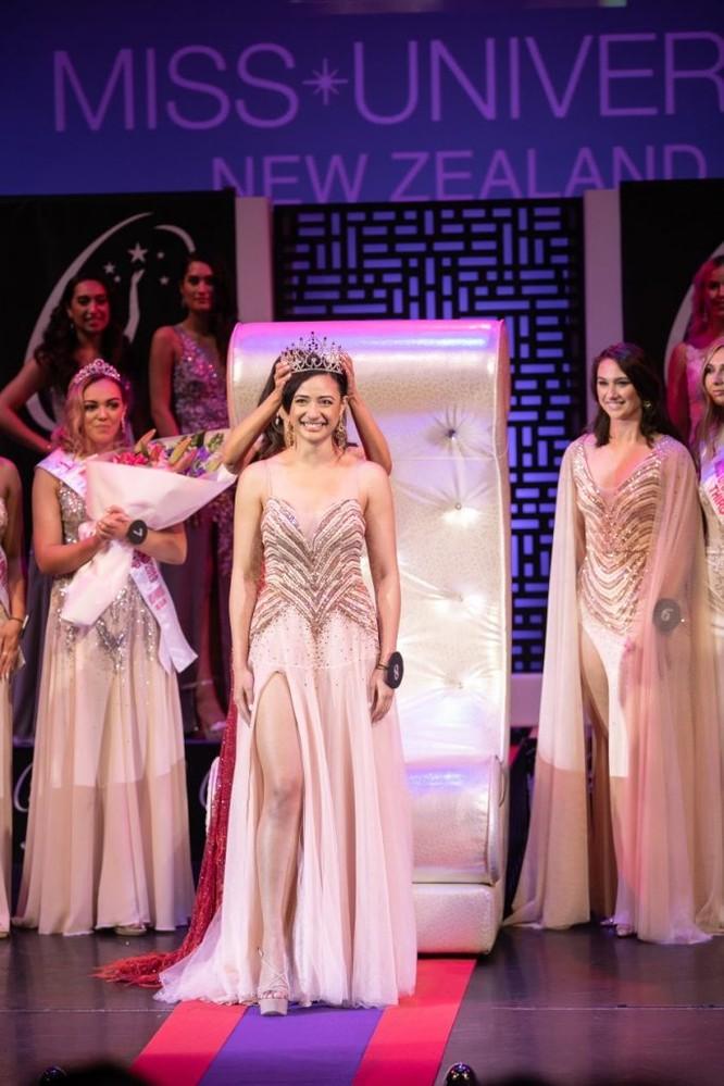 New Zealand có Hoa hậu Hoàn vũ nhiều tuổi nhất trong lịch sử ảnh 1