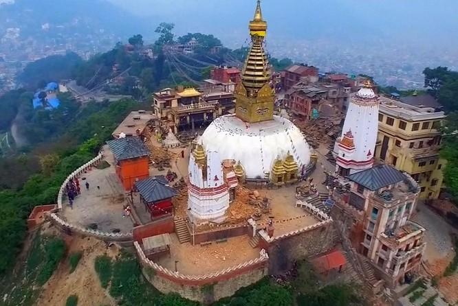 Nepal là đất nước nằm dưới chân dãy núi Himalaya hùng vĩ, kì bí chính vì vậy nơi đây luôn thu hút một lượng đông đảo khách du lịch trên thế giới ghé thăm. Ảnh: Xinhua