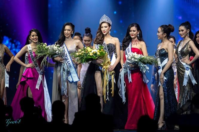 Ngày 24/8, tại khách sạn Landmark Riverside, thủ đô Vientiane, đêm chung kết Miss Universe Lao 2019 đã tìm được đại diện cho đất nước Triệu Voi tham dự đấu trường nhan sắc thế giới. Ảnh: Missosology