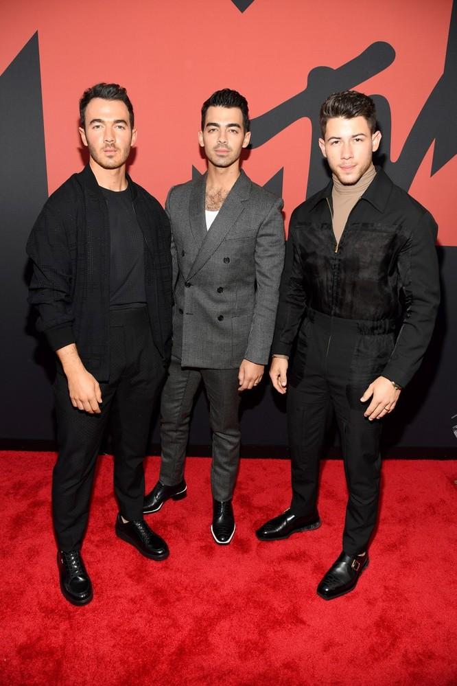 3 anh em Kevin Jonas, Joe Jonas và Nick Jonas. Ảnh: Vogue
