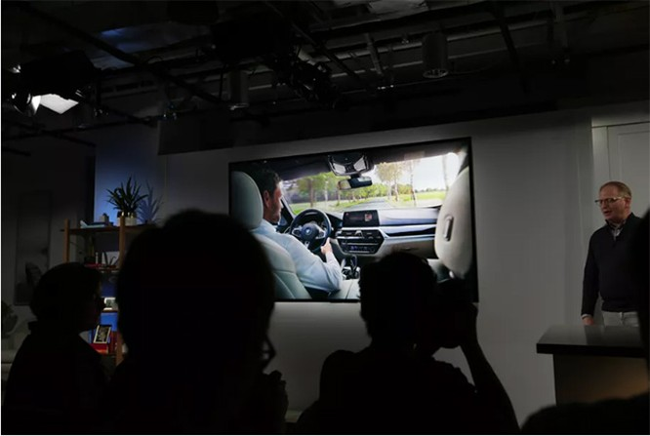 Xe hơi BMW tích hợp trợ lý ảo Alexa: Hổ mọc thêm cánh? ảnh 1