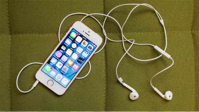 Top 10 smartphone chưa xóa sổ giắc tai nghe 3,5 mm ảnh 9