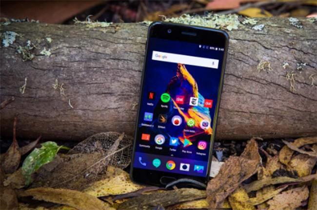 Top 10 smartphone chưa xóa sổ giắc tai nghe 3,5 mm ảnh 4