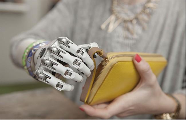 """Trong tương lai, con người sẽ trở thành sinh vật """"nửa người nửa máy""""? ảnh 4"""