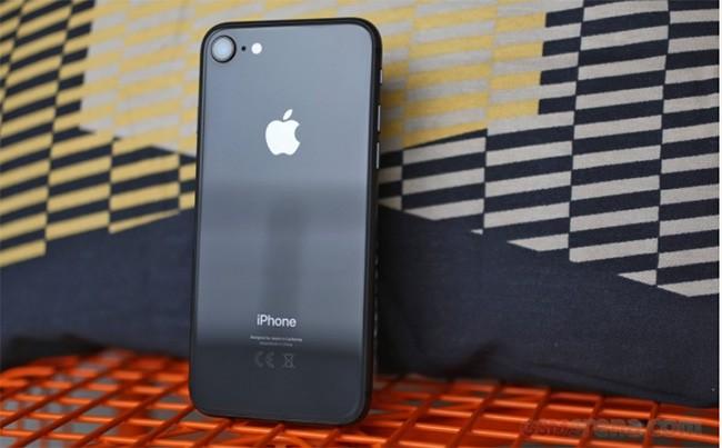 iPhone 7 vượt mặt iPhone 8 về số lượng tiêu thụ ảnh 1