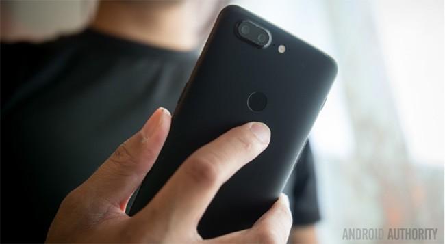 """Trên tay OnePlus 5T: tỷ lệ màn hình 18:9, camera """"công nghệ Pixel thông minh"""" ảnh 3"""