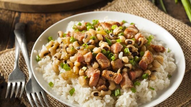 Văn hóa ẩm thực dịp Tết Dương lịch trên toàn thế giới ảnh 1