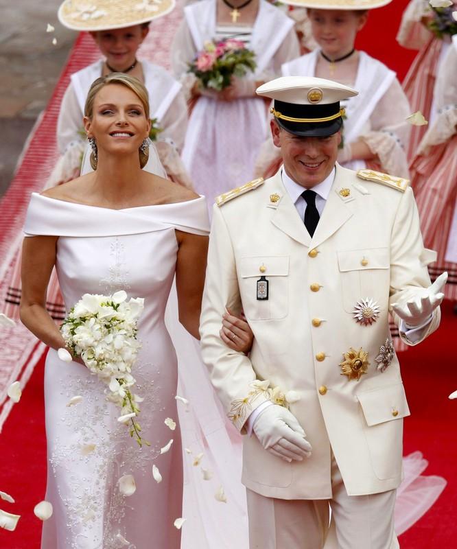 Trầm trồ trước những bộ váy cưới hoàng gia đẹp nhất mọi thế kỷ ảnh 11