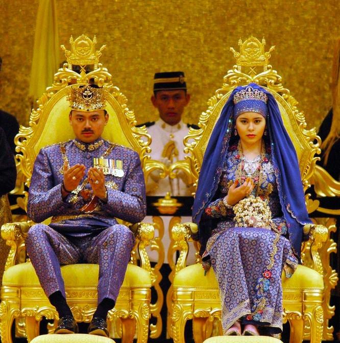 Trầm trồ trước những bộ váy cưới hoàng gia đẹp nhất mọi thế kỷ ảnh 6