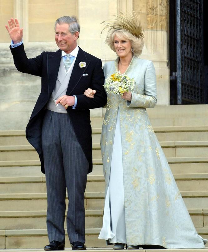 Trầm trồ trước những bộ váy cưới hoàng gia đẹp nhất mọi thế kỷ ảnh 7