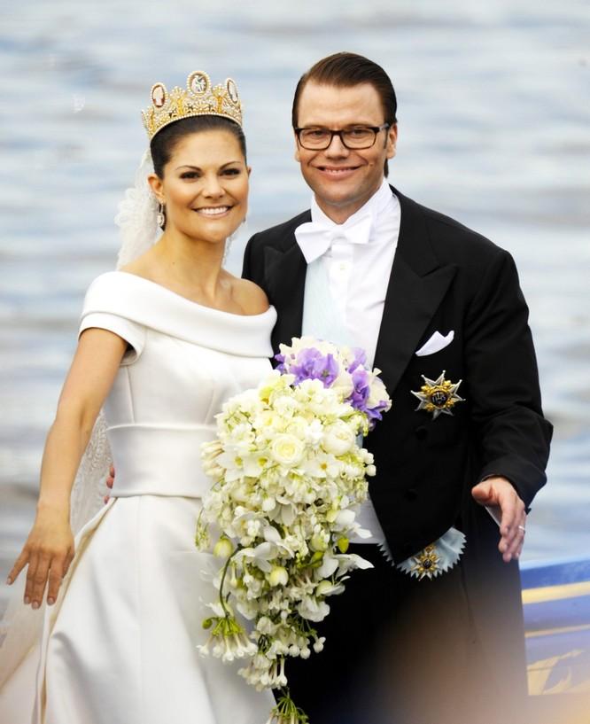Trầm trồ trước những bộ váy cưới hoàng gia đẹp nhất mọi thế kỷ ảnh 8