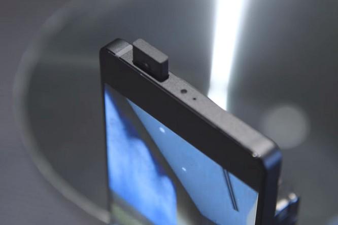 """Sao chép thiết kế """"tai thỏ"""" của iPhone X, các nhà sản xuất Android đang cạn kiệt ý tưởng? ảnh 12"""