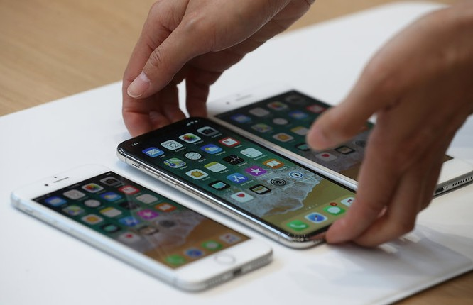 """Sao chép thiết kế """"tai thỏ"""" của iPhone X, các nhà sản xuất Android đang cạn kiệt ý tưởng? ảnh 3"""