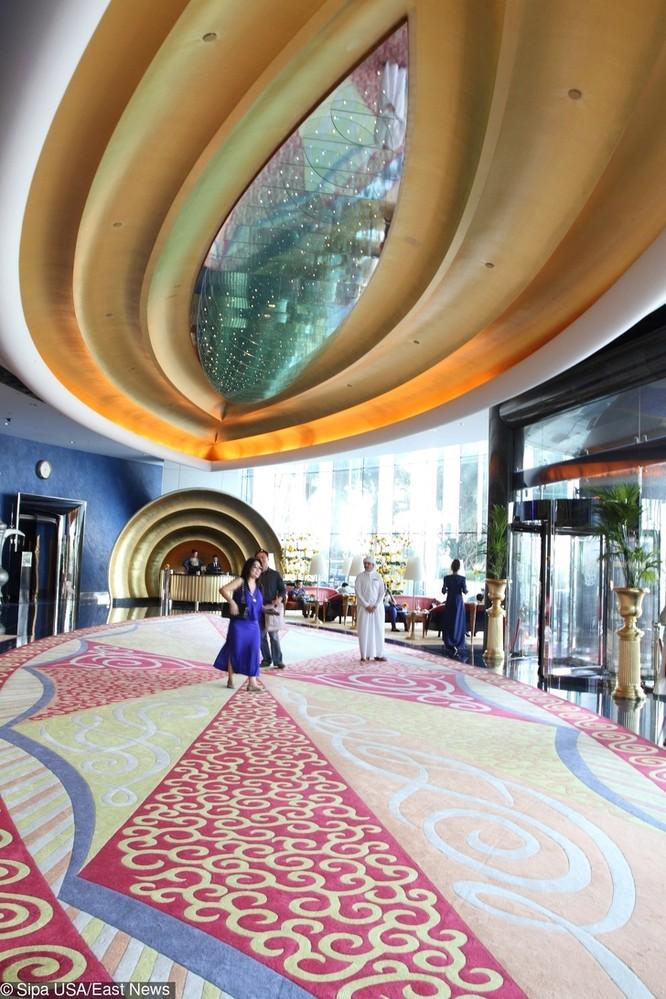 9 thông tin gây sốc về Dubai - thành phố vàng của thế giới ảnh 5