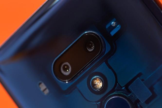 Đánh giá HTC U12+: thực sự xứng đáng với mức giá 800 USD? ảnh 3