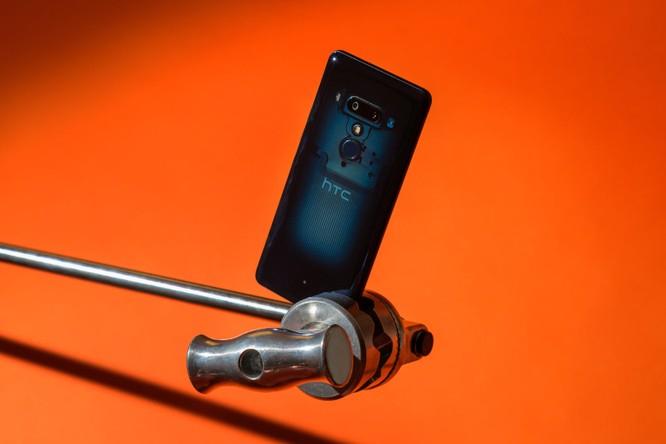 Đánh giá HTC U12+: thực sự xứng đáng với mức giá 800 USD? ảnh 4