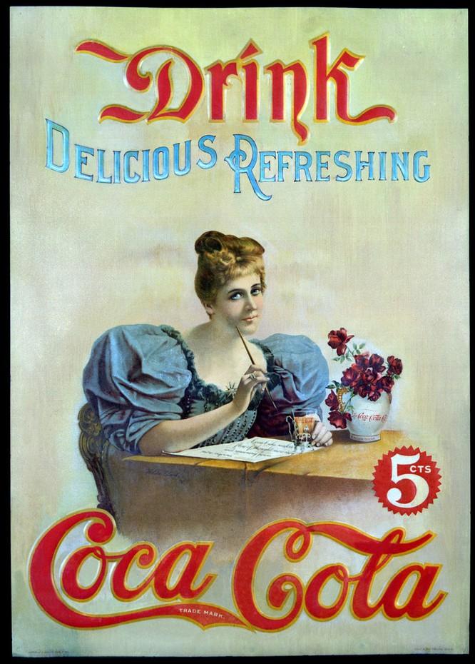 Coca-Cola đã thay đổi thế nào trong 132 năm qua? ảnh 1