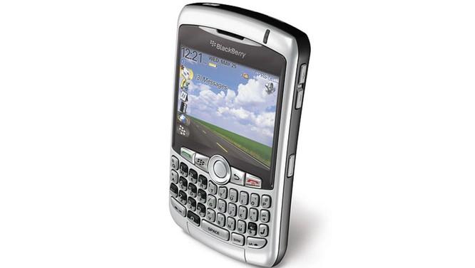 Viền màn hình điện thoại đã được cắt gọt như thế nào trong 10 năm qua? ảnh 1