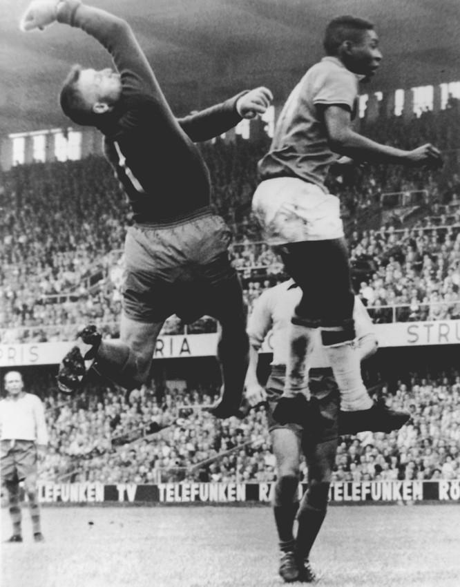 15 bức ảnh mang tính biểu tượng nhất trong lịch sử World Cup ảnh 1