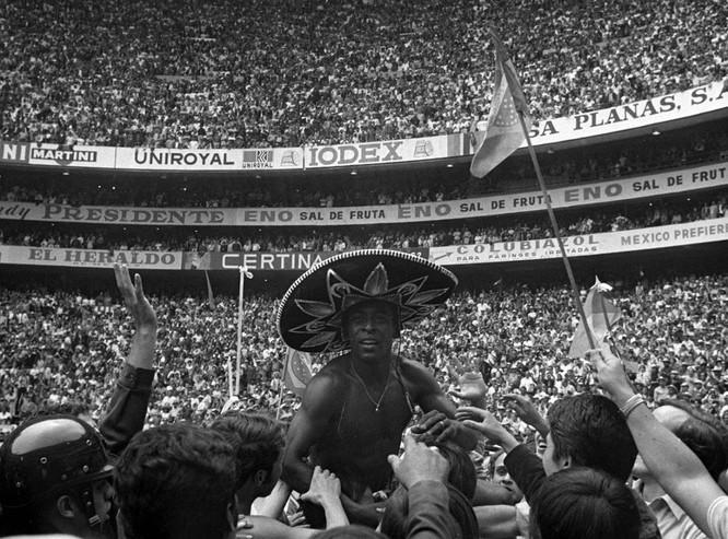15 bức ảnh mang tính biểu tượng nhất trong lịch sử World Cup ảnh 4