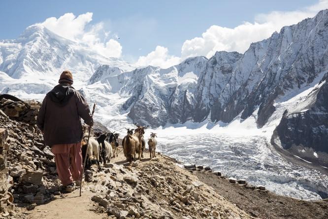 Chùm ảnh về con người tại những nơi làm việc khắc nghiệt nhất thế giới ảnh 7