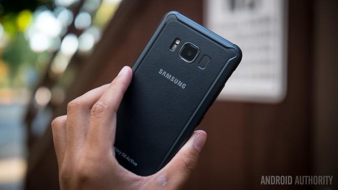 Vật liệu nào tốt nhất cho smartphone: kim loại, kính hay nhựa? ảnh 2