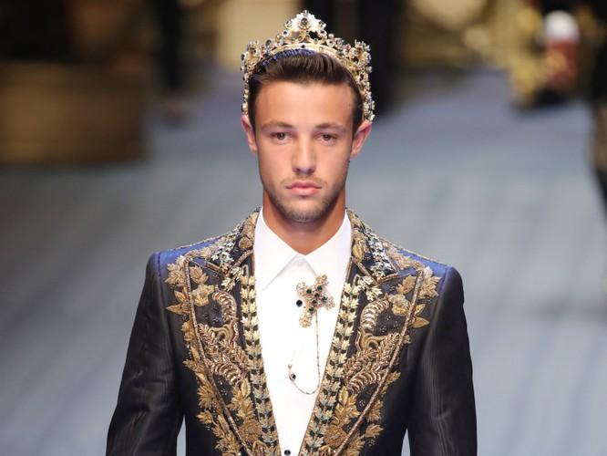 10 thương hiệu thời trang hot nhất trên thế giới hiện nay ảnh 5